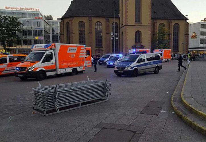 Imagen de la estación de tren Hauptwache, en donde sucedió el ataque a 4 personas, en Alemania. (@hussedogru)