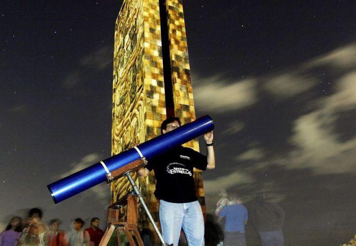 Proyecto de entrega de telescopios busca despertar el interés de los jóvenes por las estrellas. (Milenio Novedades)