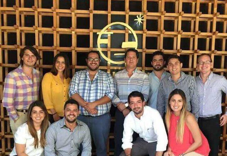 Jóvenes empresarios de Yucatán están conscientes de que la relación con la gente experimentada ayuda a sacar adelante a los negocios, sobre todo en la etapa crítica de los primeros años. (Cecilia Ricárdez/SIPSE)