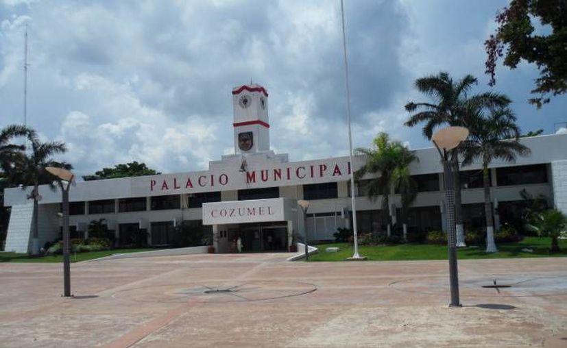 Autoridades de Ayuntamiento inspeccionaron centros nocturnos y bares. (Archivo/SIPSE)