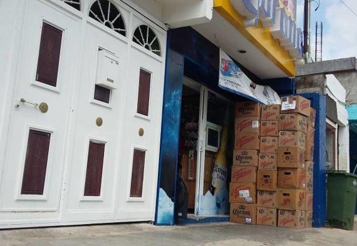 La medida de la ampliación del horario sobre la venta de alcohol aplicaría para más de cinco mil en la entidad y la mayoría está en la zona metropolitana de Mérida. (Archivo SIPSE)