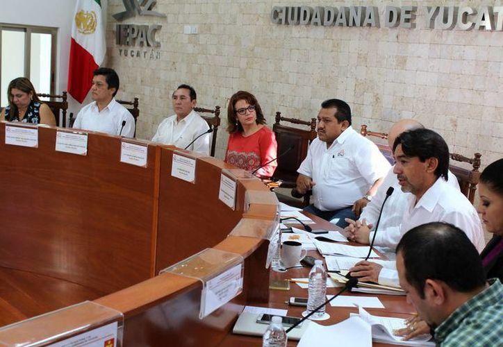 Yucatán tendrá campañas electorales acaudaladas empezando por la gubernatura cuyo tope de gastos se triplicó. (SIPSE)