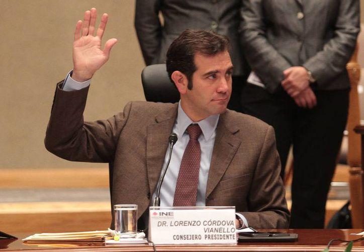 Lorenzo Córdova Vianello, titular del INE, indicó que el nuevo reglamento de fiscalización establece parámetros que obligan a los partidos a comprobar todos los gastos que hagan con recursos  públicos. (Archivo/Notimex)