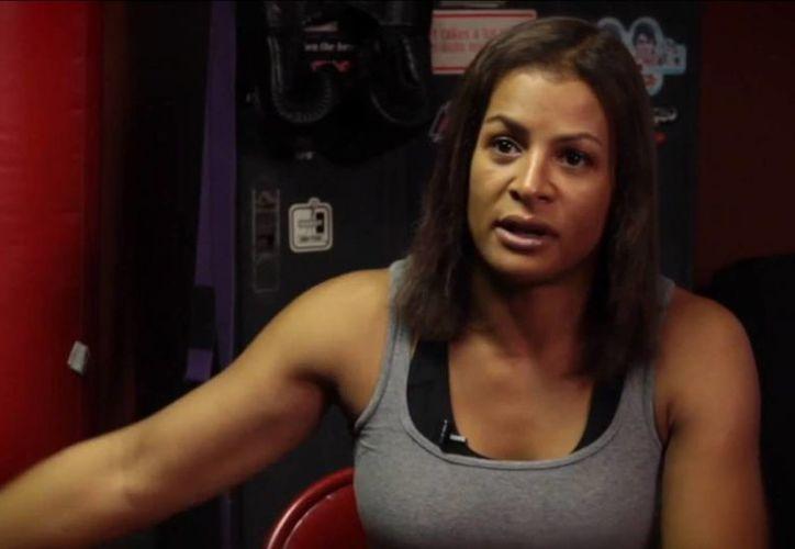 Ronda Roussey dijo que prefirió no pelear contra Fallon Fox (foto) debido al sistema óseo de esta peleador transexual. (nypost.com)