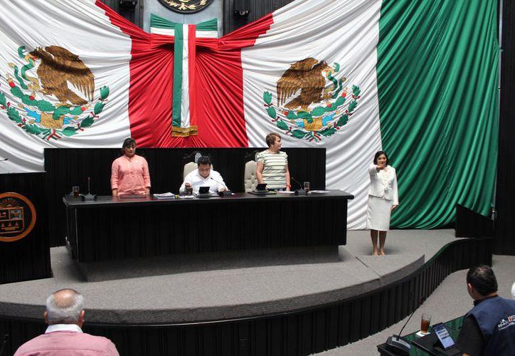 La funcionaria rindió protesta, ayer mismo, ante el Pleno del Congreso y se comprometió a poner mano dura. (Joel Zamora/SIPSE)