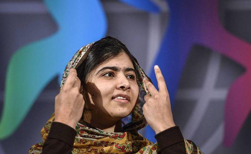 Malala Yousafzai dona el Premio de los Niños del Mundo de Suecia. El galardón se lo entregó la Reina Silvia en el castillo de Gripsholm en Mariefred, Suecia. (Agencias)