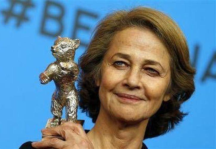 Charlotte Rampling se encuentra nominada a los premios Oscar por su actuación en la película '45 años'. (AP)