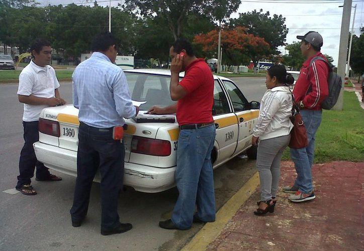 Los daños para el taxi fueron valuados en mil pesos. (Archivo/SIPSE)