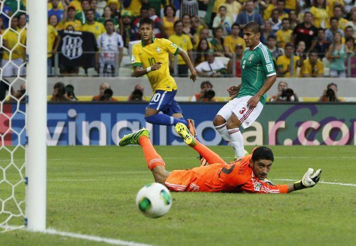 Neymar tuvo pocas opciones de gol, pero una fue suficiente para marcar el rumbo del juego. (Agencias)