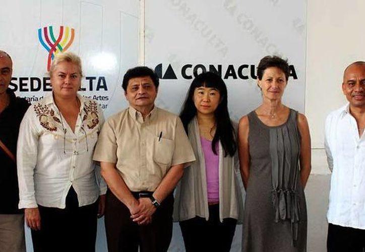 Integrantes del jurado de la VI Bienal Nacional de Artes Visuales. (Milenio Novedades)