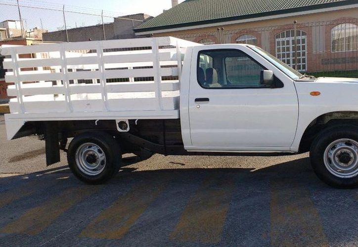 Ofrecen camionetas estaquitas a nombre de empresas para estafar 10 mil pesos. (Imagen estrictamente ilustrativa/ INTERNET)