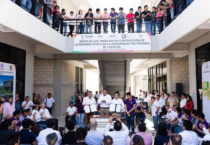 El Gobernador de Yucatán estuvo presente este miércoles en la Universidad Politécnica para dar el banderazo de inicio de obras, en una jornada en la que también se firmaron convenios de colaboración académica. (Fotos cortesía del Gobierno)