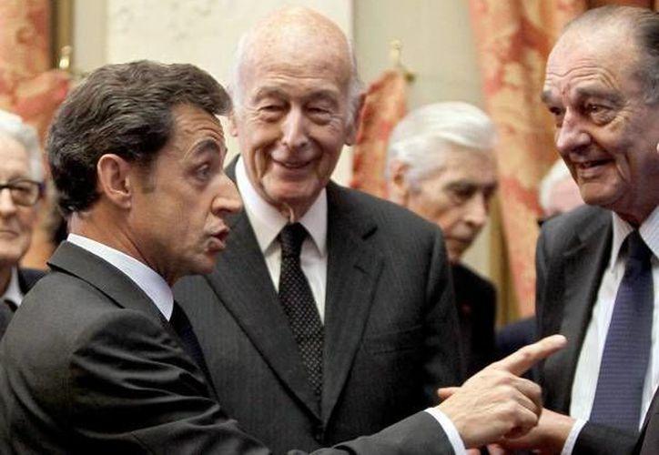 El actual presidente francés Francois Hollande contempla recortar los privilegios del que gozan los tres últimos mandatarios de la V República. (Ansa Latina)