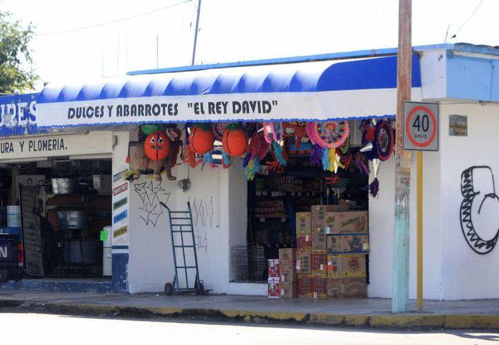 Moradores de las comunidades rurales aseguran que los precios otorgados en las tiendas Diconsa, son iguales a los que ofrecen las tiendas de abarrotes sin subsidio. (Harold Alcocer/SIPSE)