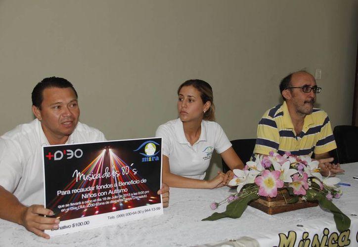 Los organizadores del evento para recaudar fondos a favor de MIRA. (Juan Carlos Albornoz/SIPSE)