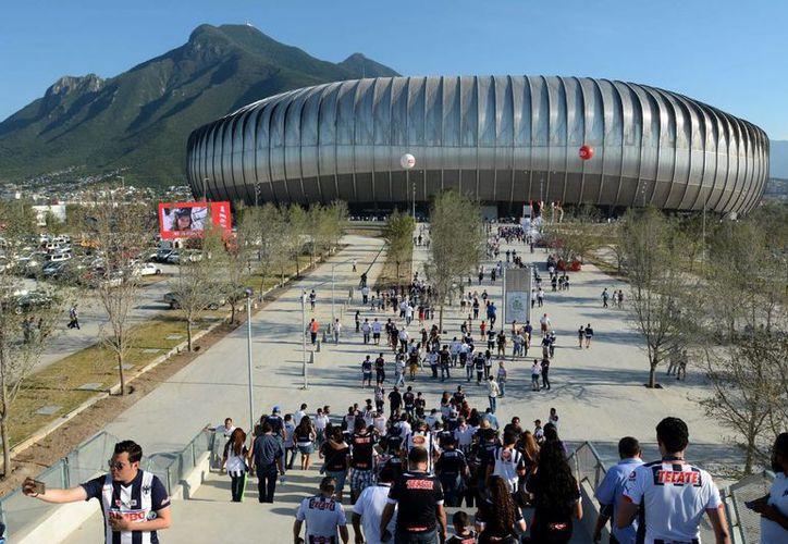 Con la inauguración del nuevo estadio de Monterrey, México busca una posible candidatura para realizar una copa del Mundo, en la imagen el nuevo recinto de los 'Rayados'. (Notimex)