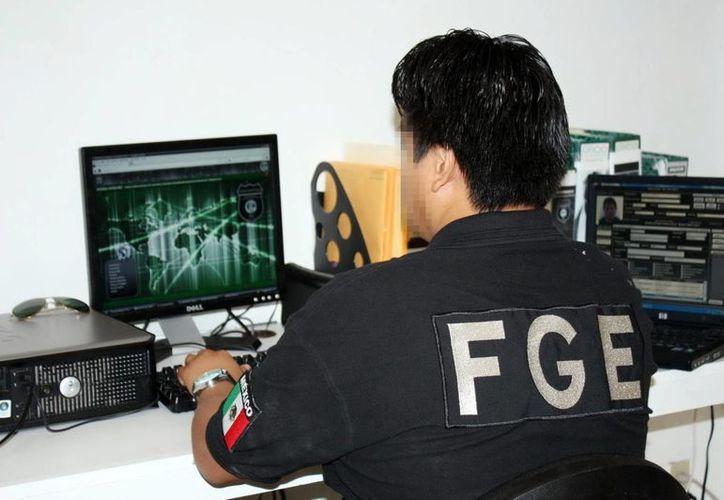 Especialistas de la FGE rastrean delitos cibernéticos. (Milenio Novedades)