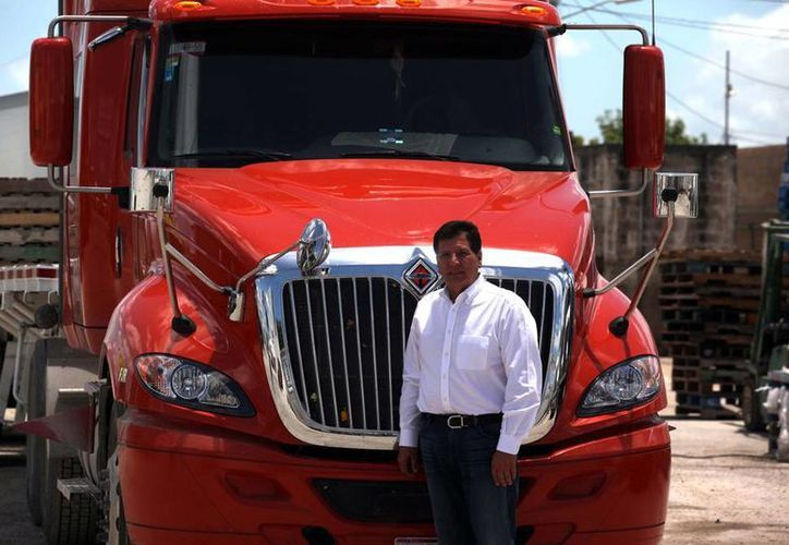 Francisco Rivas Gamboa aprendió desde muy joven a hacer negocios, aún en medio de la adversidad. (Amílcar Rodríguez/SIPSE)