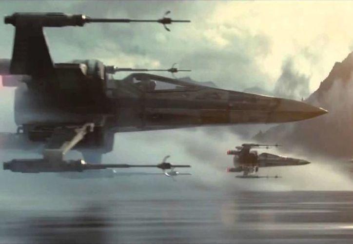 Los fans de 'Star Wars' contarán con ayuda de Google para hallar información sobre la Guerra de las Galaxias, cuyo séptimo filme se estrenará a fines de este año. (Youtube)
