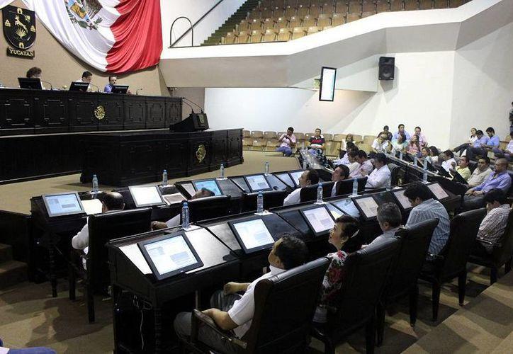 Los diputados aprobaron aumentar en un cinco por ciento el salario de los trabajadores de base del Poder Legislativo. (SIPSE)