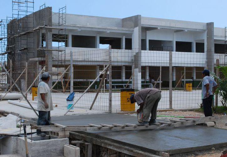 En los fraccionamientos Paseos Kabah, Villas del Mar II, Villas Otoch Paraíso II, Urbi Villas y Prado Norte se ubican las nuevas escuelas. (Tomás Álvarez/SIPSE)