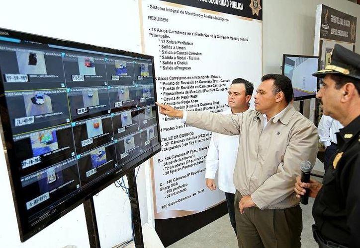 El Gobernador (i) verificó el funcionamiento de los 18 arcos de seguridad del Anillo Periférico y construcción de la Unidad de Monitoreo e Inteligencia Policial. (Cortesía)