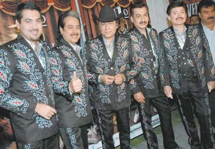 Los Tigres del Norte se saben precursores de un estilo musical, pero quieren crecer aún más. (Milenio)