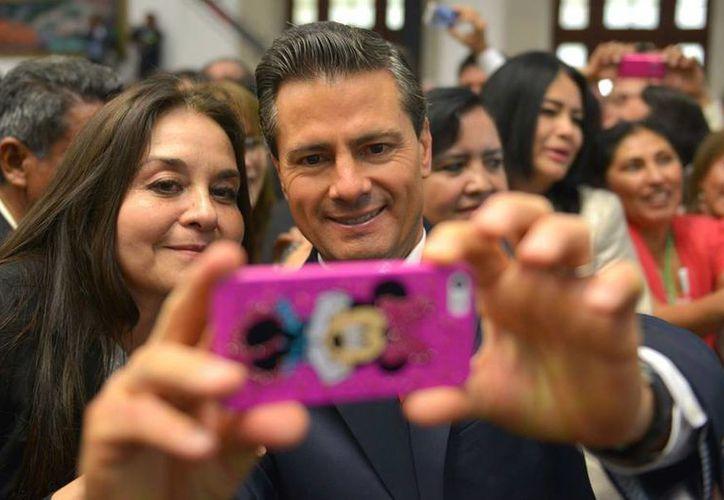 Peña Nieto llamó a trabajar por un internet más asequible para todos. (Facebook/Enrique Peña Nieto)
