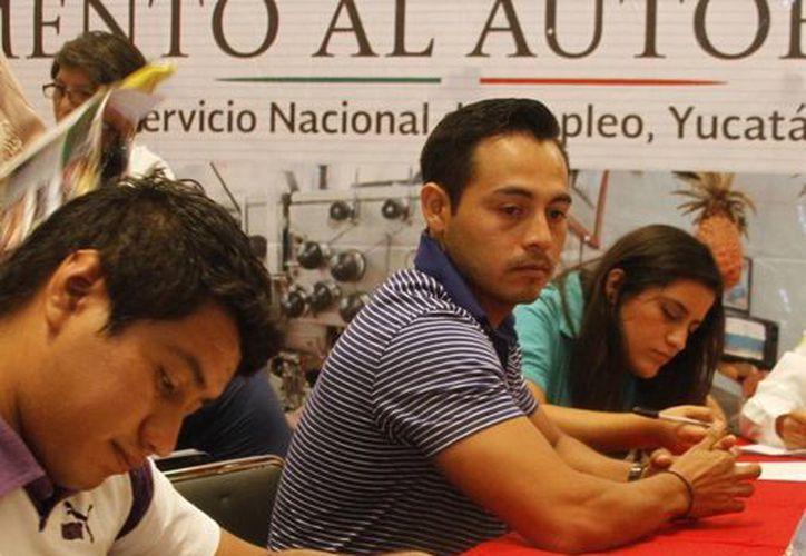 Empleo, al alza en Yucatán. Imagen de contexto de una feria del empleo en esta ciudad. (Milenio Novedades)