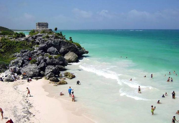 Las playas de Tulum atraen año con año miles de turistas nacionales y extranjeros. (Contexto/Internet)