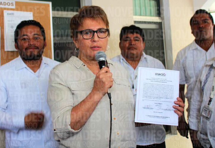 Beristáin Navarrete recibió del Ieqroo la constancia de mayoría. (Octavio Martínez/SIPSE)