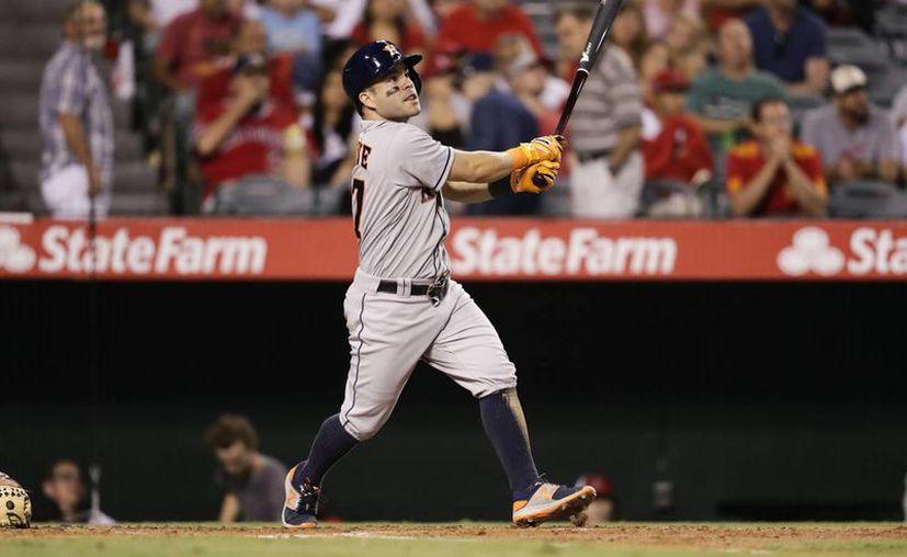 El segunda base de los Astros de Houston, conquistó su segundo título de bateo en los últimos tres años de las Grandes Ligas.(Jae C. Hong/AP)