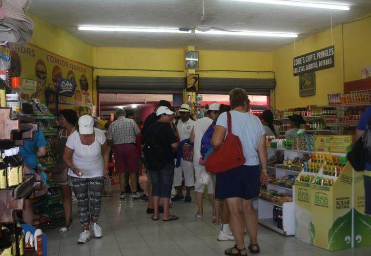 En caso de detectarse irregularidades en los comercios, los consumidores locales piden a la dependencia aplicar todo el rigor de la ley. (Rossy López/SIPSE)