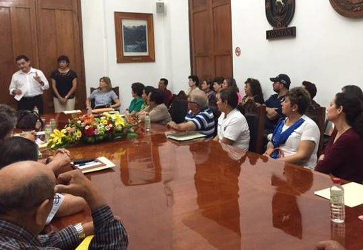 En la reunión con el secretario de Gobierno, Víctor Caballero Durán, participaron 34 asociaciones civiles. (SIPSE)