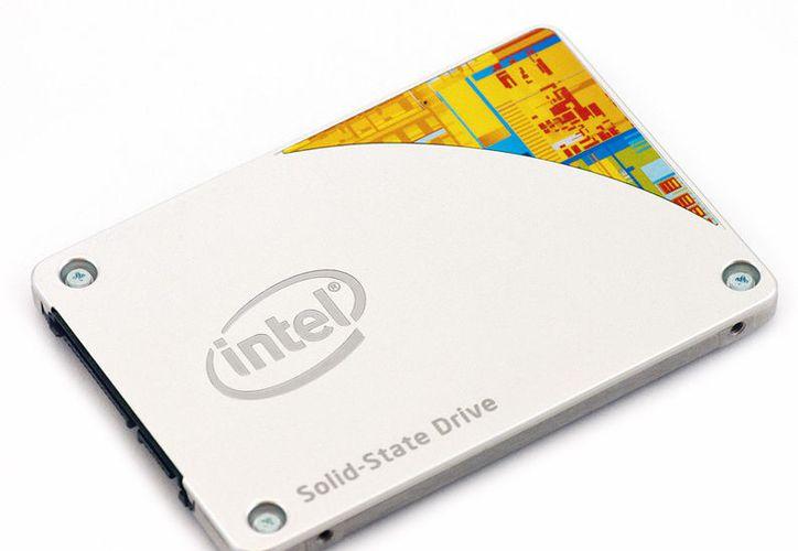 El almacenamiento en SSD tradicional podrá ser sustituido por nueva línea de Intel. (storagereview.com)