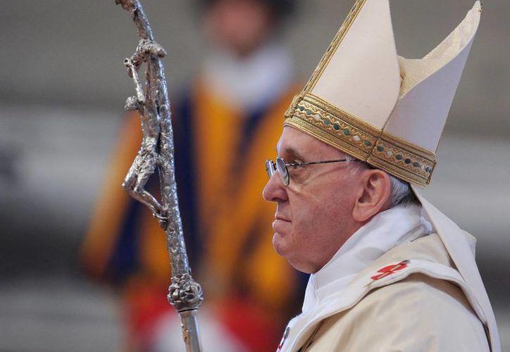 Papa conmemoró hoy el cuadragésimo aniversario de su profesión religiosa solemne en la COmpañía de Jesús. (EFE)