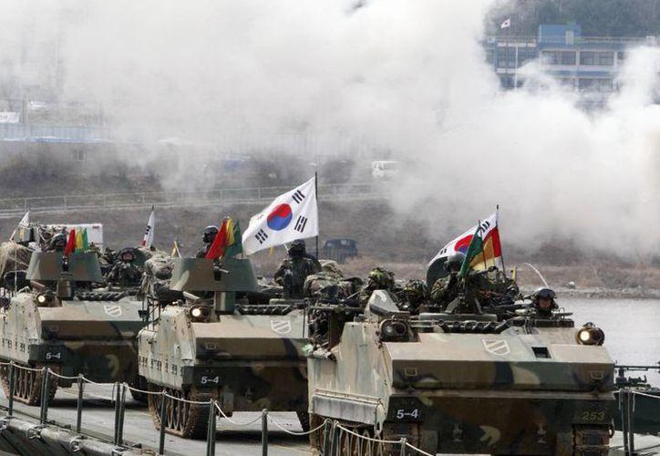 Tanques surcoreanos en ejercicio militar. (Agencias)