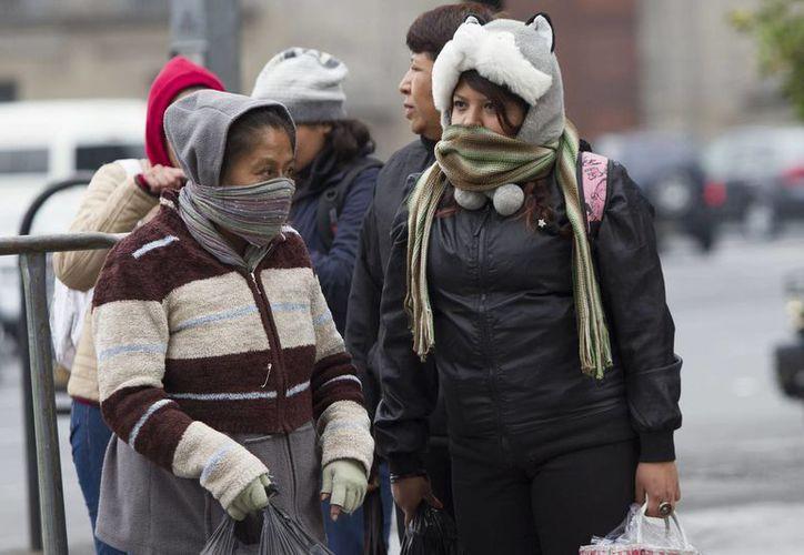 En estados del norte del país se acentuará el clima frío, por lo que se pide extremar precauciones. (Notimex)