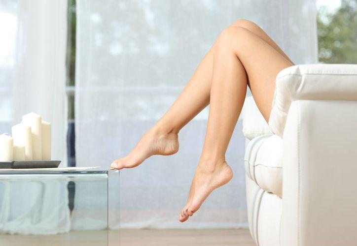 Una de las recomendaciones es elevar las piernas durante una o dos horas al día. (Foto: Contexto)
