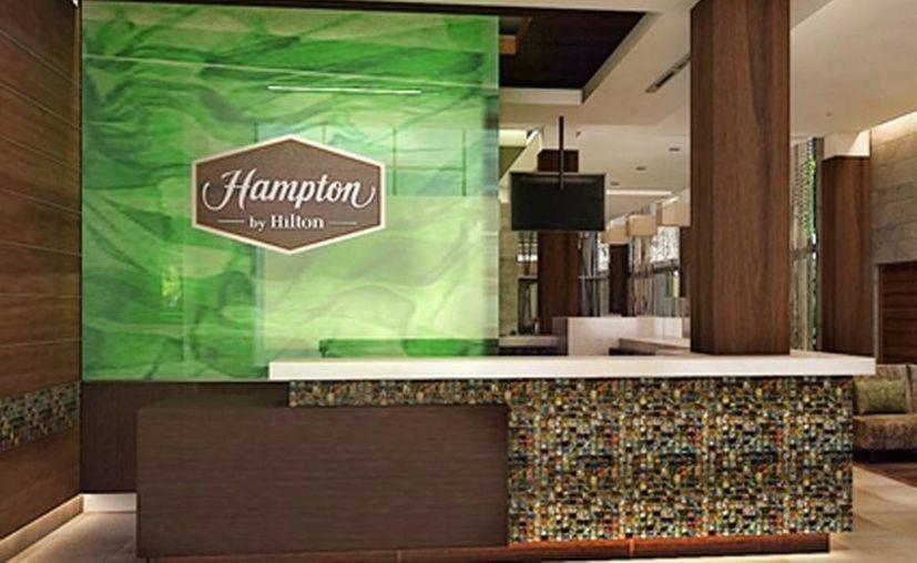Imagen del interior del hotel Hampton Inn by Hilton que opera en la ciudad, cerca del Centro de Convenciones Yucatán Siglo XXI. La cadena abrirá un nuevo hotel cerca de Altabrisa. (Archivo/SIPSE)