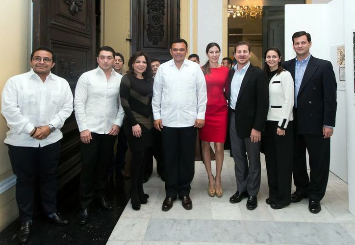 El gobernador Zapata Bello (al centro), en el Peón Contreras. (Milenio Novedades)