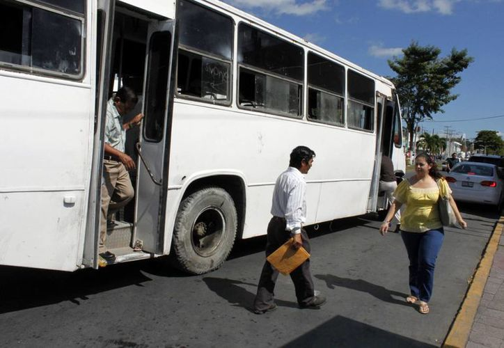 Las rutas Calderitas, Forjadores y del Bosque, son atendidas con unidades de calidad deplorable. (Enrique Mena/SIPSE)