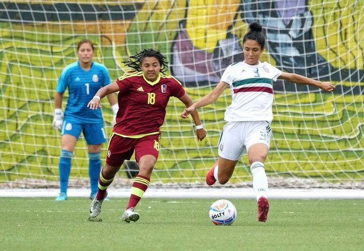 La selección mexicana de futbol femenil está a punto de conseguir el bicampeonato en los Juegos Centroamericanos y del Caribe. (Milenio.com)