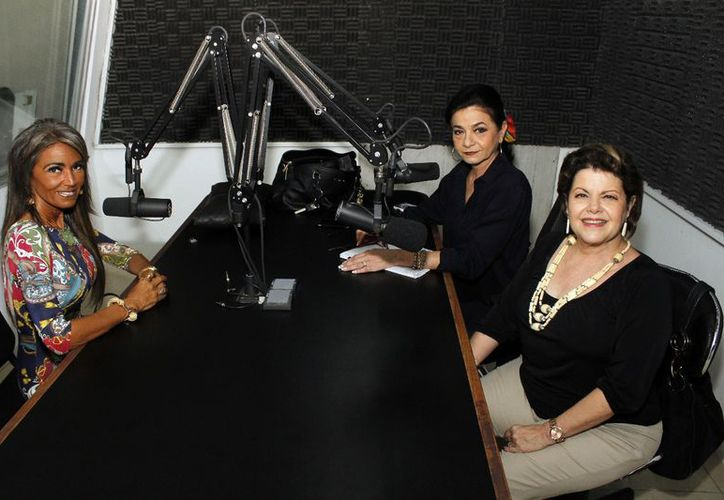 """Mora Ivette Ruiz Hagar, """"Morita"""", con Mary Liz Escalante y Alis García. (Milenio Novedades)"""