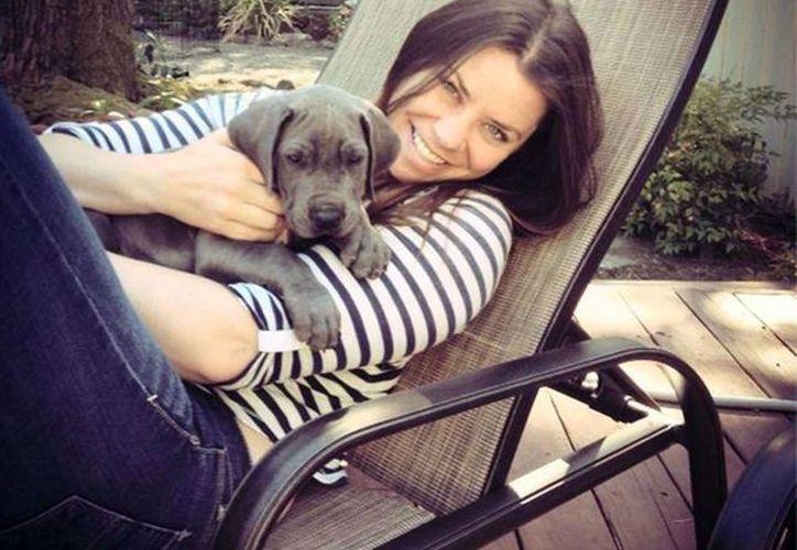 Esta imagen sin fecha proporcionada por la familia Maynard muestra a Brittany Maynard, la paciente terminal que falleció a sus 29 años por medio de un suicidio asistido en Oregon. (Foto AP/Maynard Family, archivo)