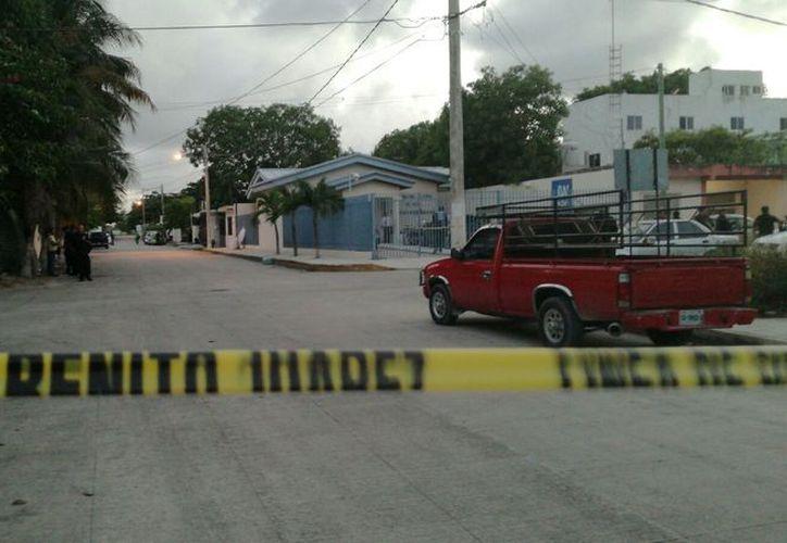 La tarde del pasado jueves fue asesinado un hombre en la Región 76. (Eric Galindo/SIPSE)