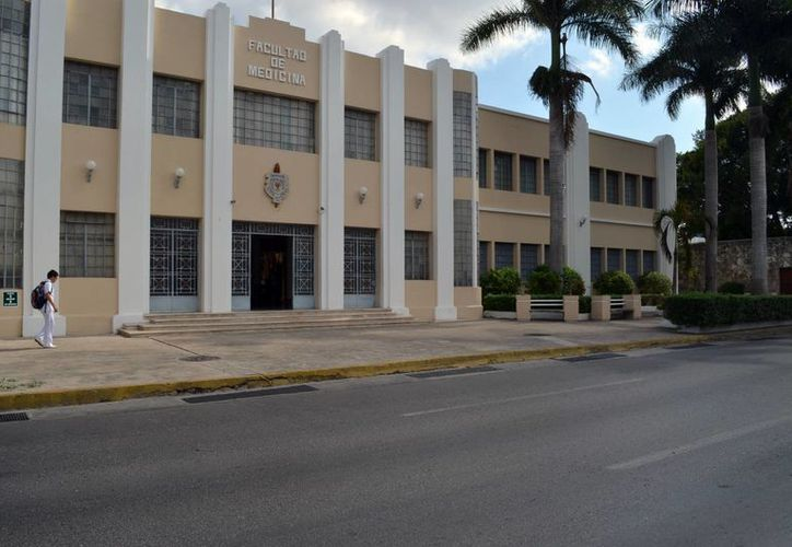 La Facultad de Medicina mantiene un alto de nivel de actualización. (José Acosta/SIPSE)