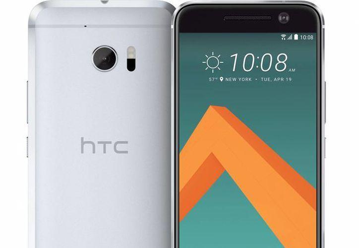 Foto del nuevo teléfono celular de la empresa HTC, el HTC10, el cual ha ganado buenas reseñas en la prensa especializada. (Agencias)