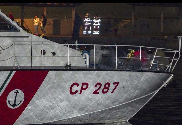 La Marina de Italia indicó que se realizaron 17 labores de rescate de embarcaciones que parten desde costas libias. (Archivo/AP)