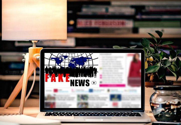 En el último año la noticias falsas han sido distribuidas en redes sociales y han alcanzado tintes políticos y en ocasiones hasta violentos. (Foto tomada de El País.com)